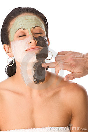 Free Spa Treatment - Color Facial Mask On Ethnic Woman Royalty Free Stock Photography - 7101527