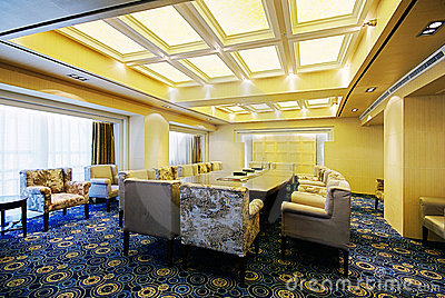Spacious and bright meeting rooms