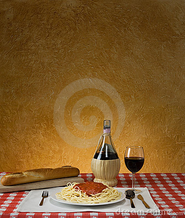 Free Spaghetti Dinner Stock Image - 7591811