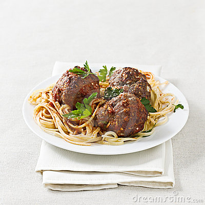 Spaghetti and meatballs with copyspace composition