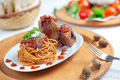 Spaghetti with Neaplolitan Ragu Sauce