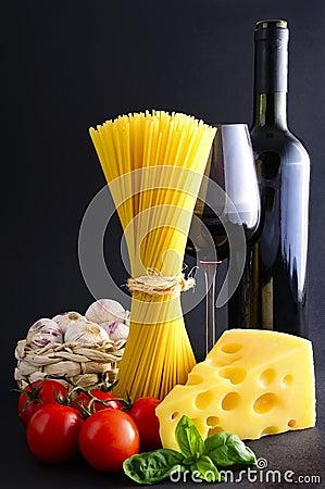 Spaghetti pasta and wine