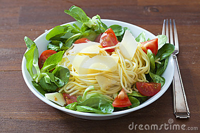 Spaghetti with salad