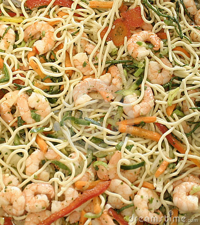 Spaghetti with shrimps and vegetables for a supper