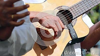 Gitarre Spielen Spanisch