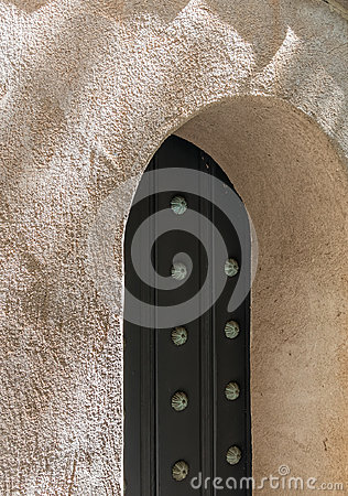 Free Spanish Architecture, Arched Door Stock Photos - 95649103