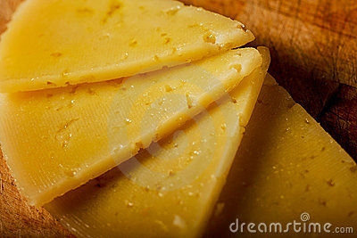 Spanish Cheese Slices Detailed View