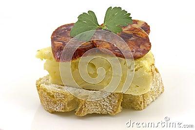 Spanish omelette with chorizo ??Iberico