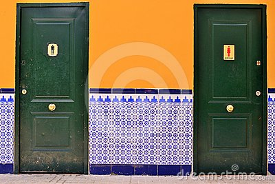 Spanish WC with tile