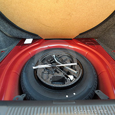 Free Spare Tire (wheel) Royalty Free Stock Photo - 21913405