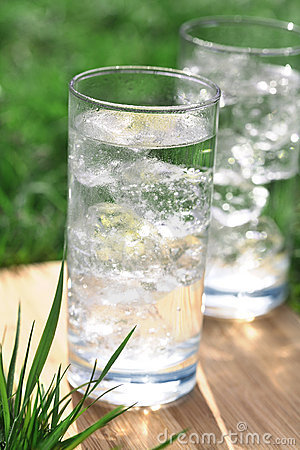 Free Sparkling Mineral Water With Icecubes Stock Images - 5096204