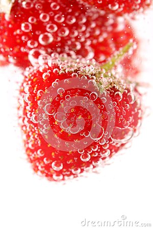 Free Sparkling Wine (champagne) And Strawberry Stock Image - 31799471