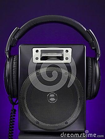 Speaker and headphone set