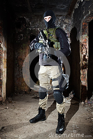Free Special Forces Soldier During Night Mission Stock Image - 47127251