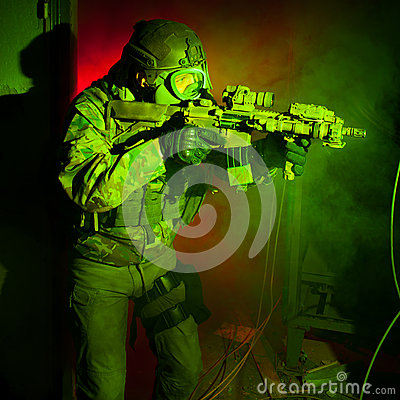 Free Special Forces Soldier With Gas Mask During Night Mission Stock Images - 44761914