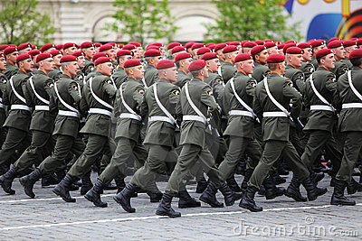 Special mission soldiers in maroon berets march Editorial Stock Image