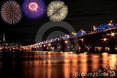 Spectacular fireworks at han River
