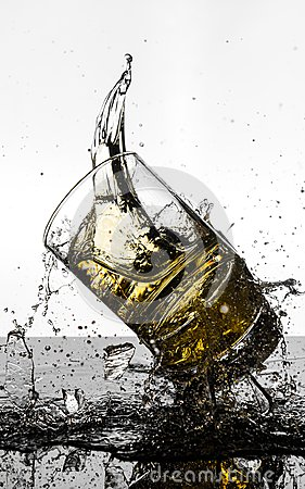 Free Spectacular High Speed Shot Of Whiskey Glasees Breaking Royalty Free Stock Images - 103878759