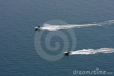 Speedboats racing