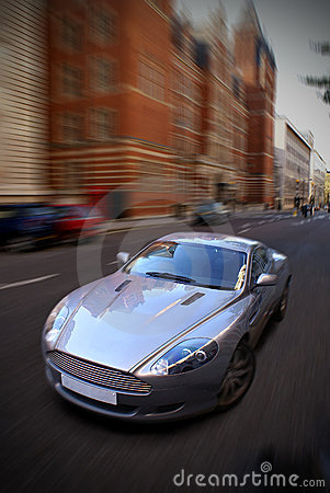 Free Speeding Car Royalty Free Stock Photography - 1551717