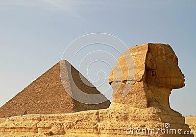 Sphinx- und Cheopspyramide