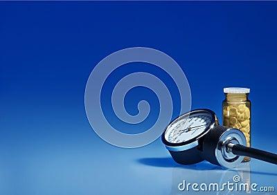 Sphygmomanometer and medicine bottle