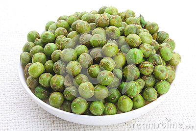 spiced-fried-green-pea-peas-chatpata-matar-indian-snack-33805955.jpg