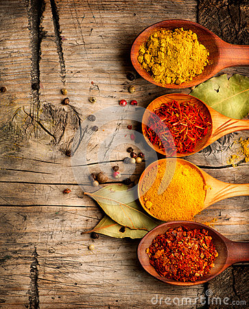 Free Spices. Curry, Saffron, Turmeric, Cinnamon Royalty Free Stock Photos - 39101728