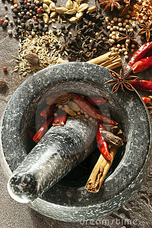 Free Spices With Mortar And Pestle Royalty Free Stock Image - 15791306