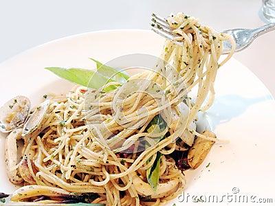 Spicy seafood spaghetti.