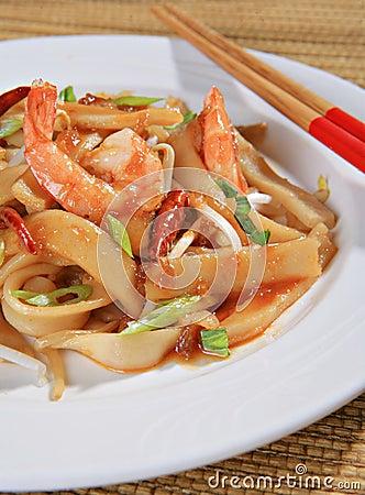 Free Spicy Shrimp Pad Thai Close-up Stock Photo - 7270680