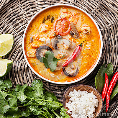 Free Spicy Thai Soup Tom Yam Stock Images - 37963374