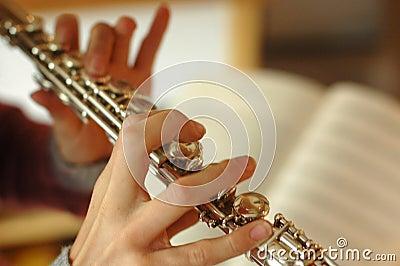 Spielen der Flöte