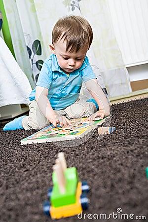 Spielen des Schätzchens