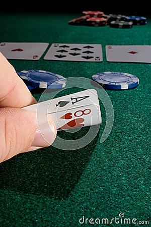 Spielen einer Hand des Schürhakens