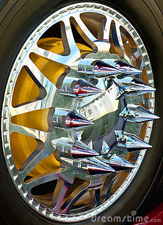 Spiked wheel