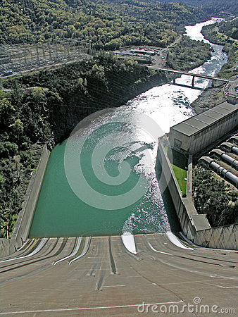 Free Spillway For Shasta Dam Royalty Free Stock Image - 48873576