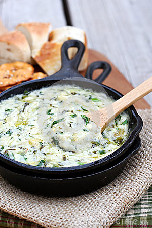 Free Spinach And Artichoke Dip Royalty Free Stock Photo - 50481095