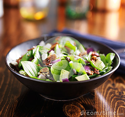 Free Spinach And Avocado Chopped Salad In Bowl Stock Photo - 54399080