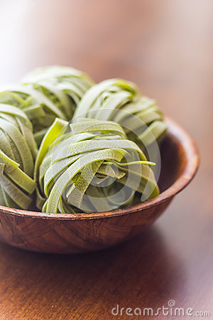 Free Spinach Fettuccine Nests Stock Images - 51985814