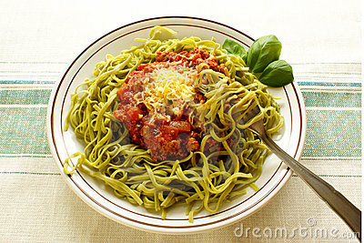 Spinach tagliatelline with bolognese sauce