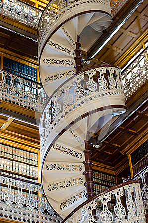 Free Spiral Staircase At The Law Library In The Iowa State Capitol Royalty Free Stock Image - 45508376