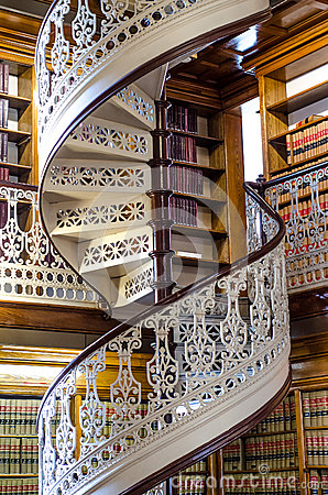 Free Spiral Staircase At The Law Library In The Iowa State Capitol Royalty Free Stock Photos - 46147708