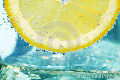 Splashing Lemon