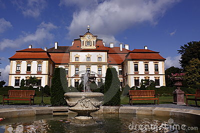 Splendid chateau Jemniste in Czech Republic