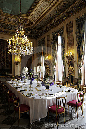 Splendid dinning room with luxury decoration