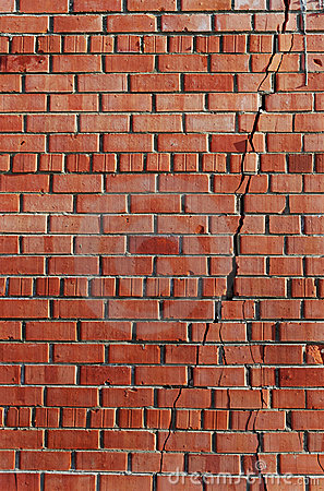 Free Split In The Brick Wall. Royalty Free Stock Photo - 19867895