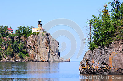 Split Rock Lighthouse on Cliff