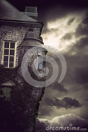 Free Spooky Castle Royalty Free Stock Image - 25727106