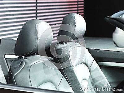 Sportscar seat